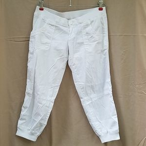 Hollister white capris lightweight
